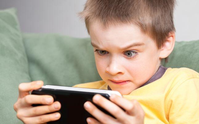 zavisimost-ot-telefona-u-detej