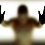 Дереализация и деперсонализация: симптомы, лечение, причины возникновения