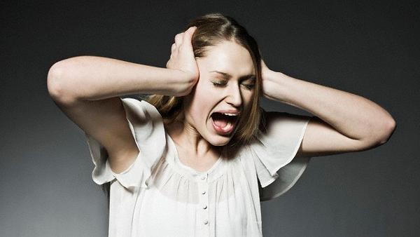 simptomy-zvon-v-ushah